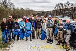 Asylwerber unterstützen Uferreinigung an der Kainach